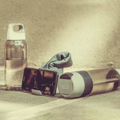 H2 Go Bottle with Cooling Towel & Mobile Stand
