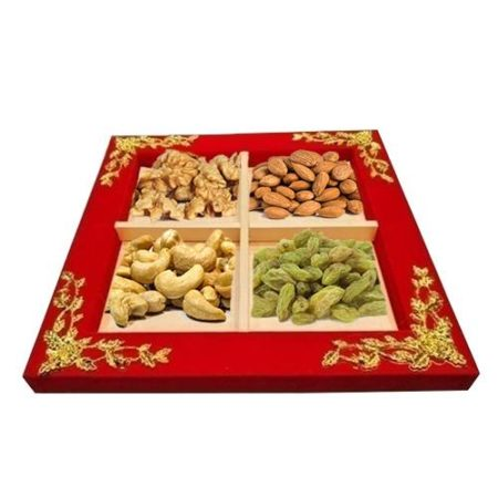 Red Velvet Golden Dry Fruit Tray