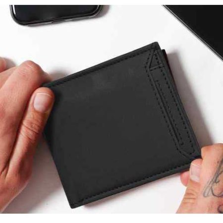Traccia 3 Wallet Inbuilt Power Bank